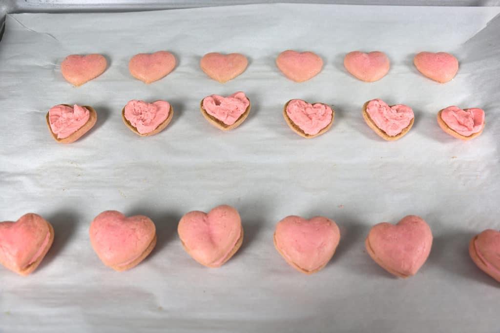 Heart Macaron 14