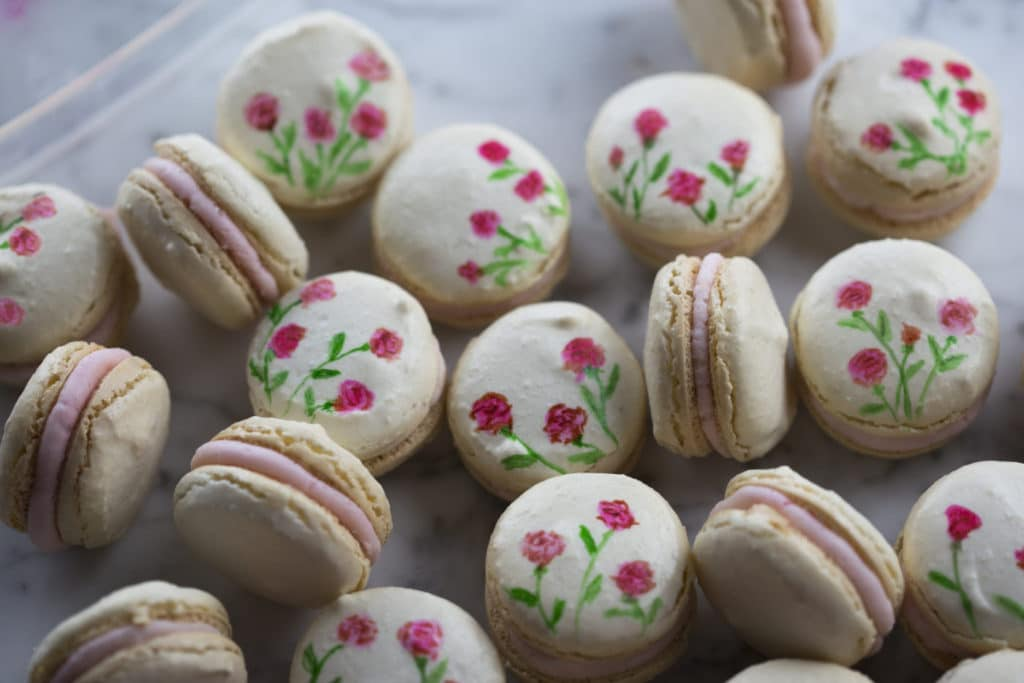 painted macarons2