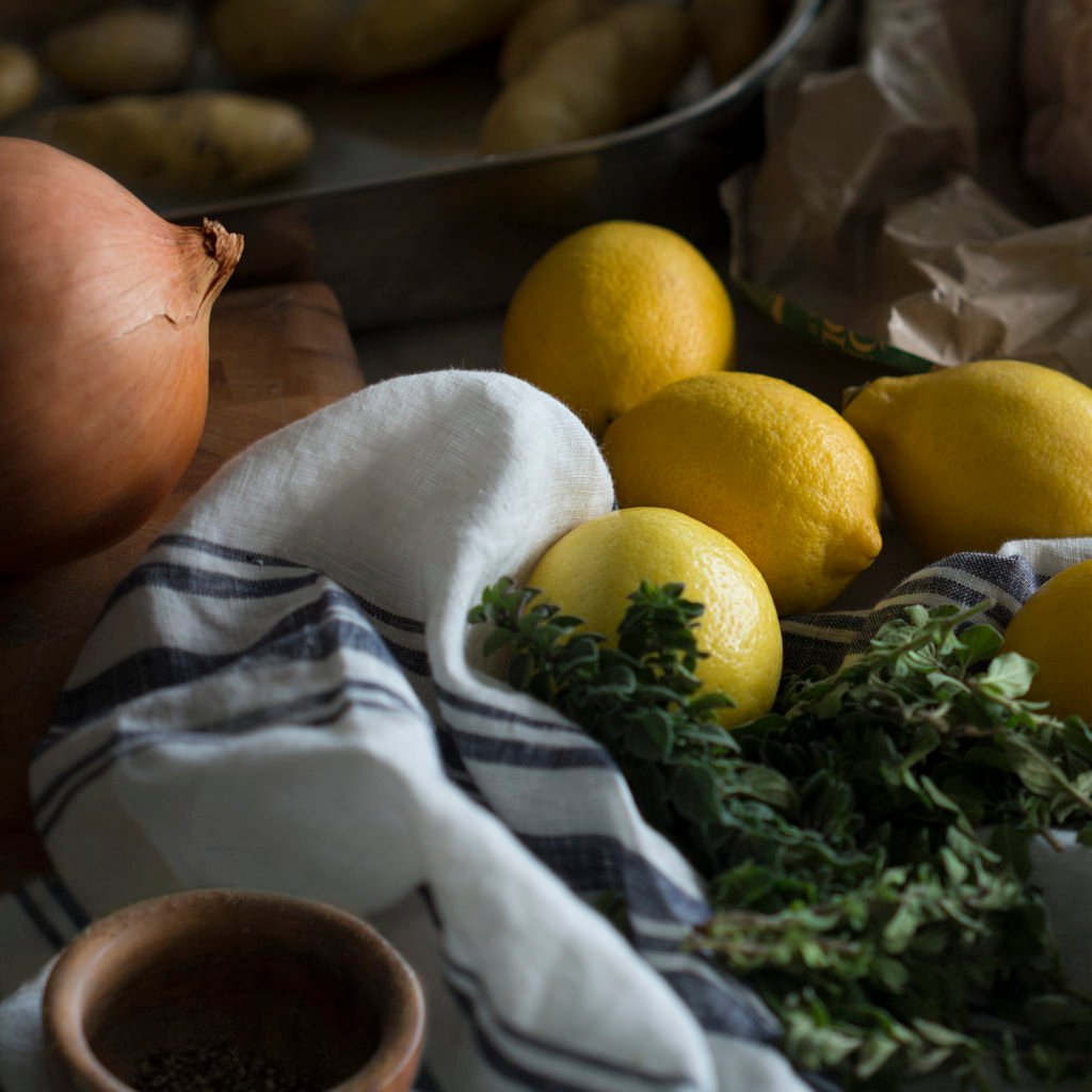 A photo of the ingredients to make greek lemon chicken.