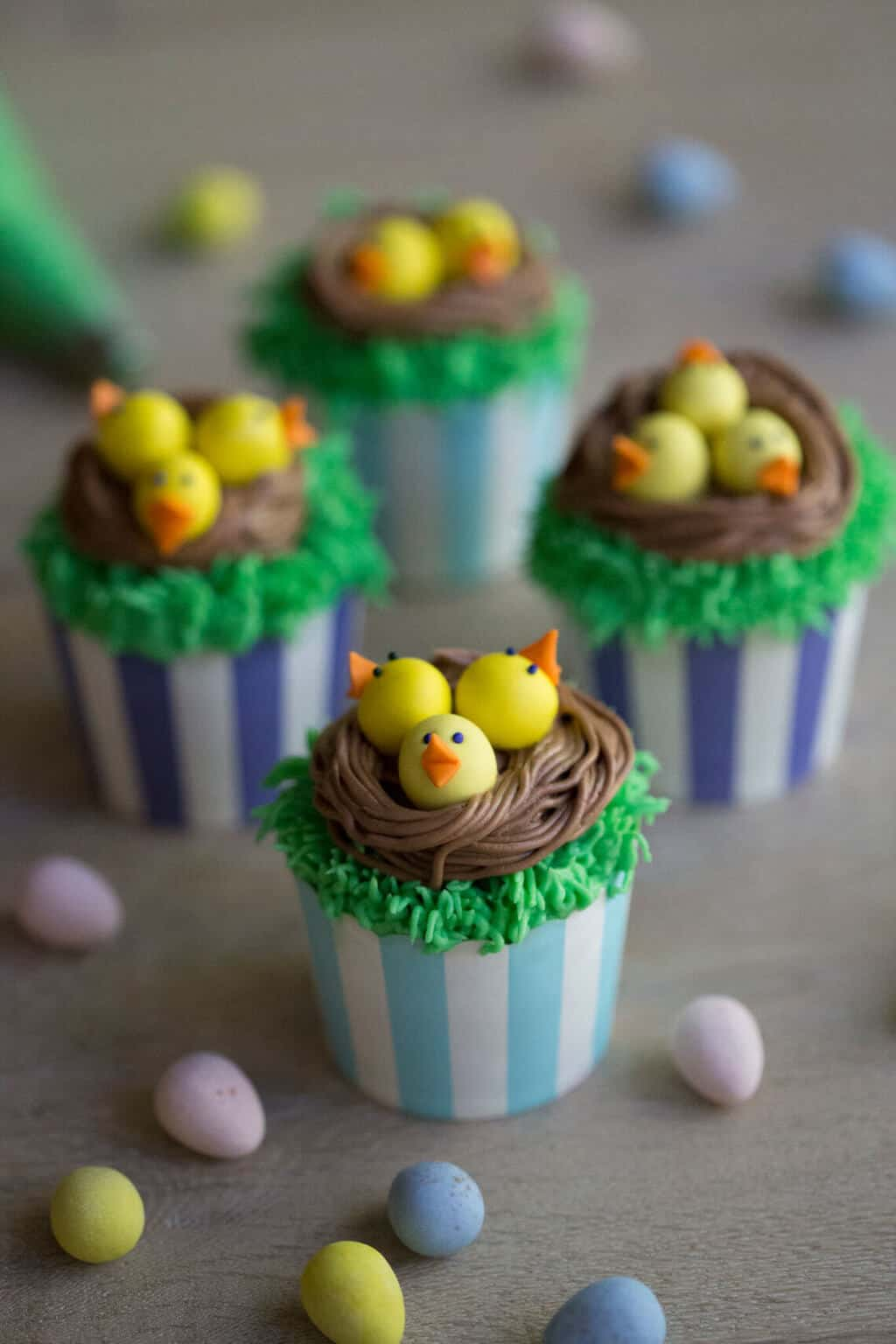 A photo of completed Easter chick cupcakes.