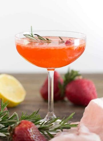 Strawberry Fizz Cocktail