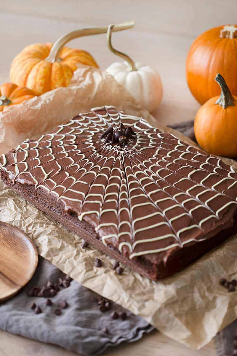spiderweb sheet cake