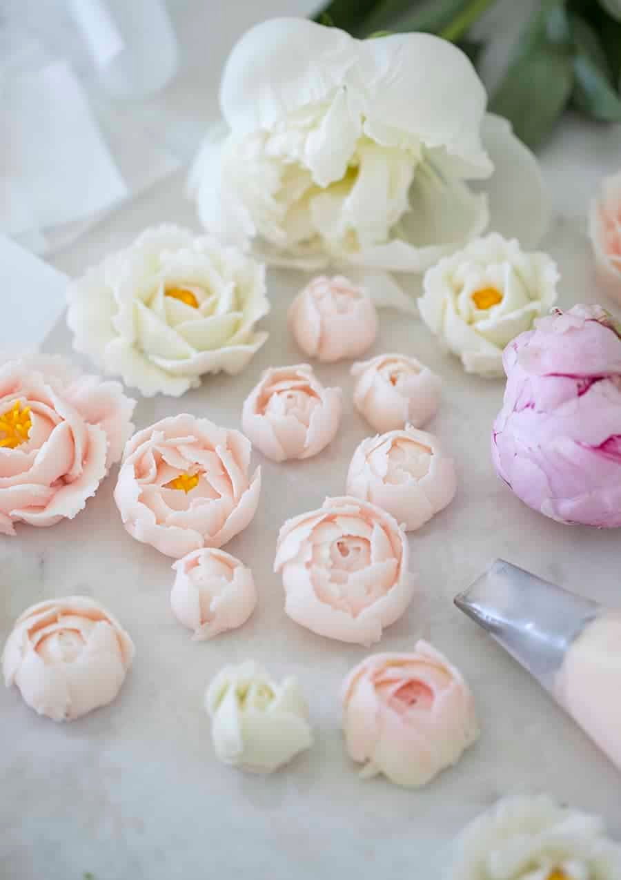 How to make buttercream flowers preppy kitchen buttercream flowers izmirmasajfo