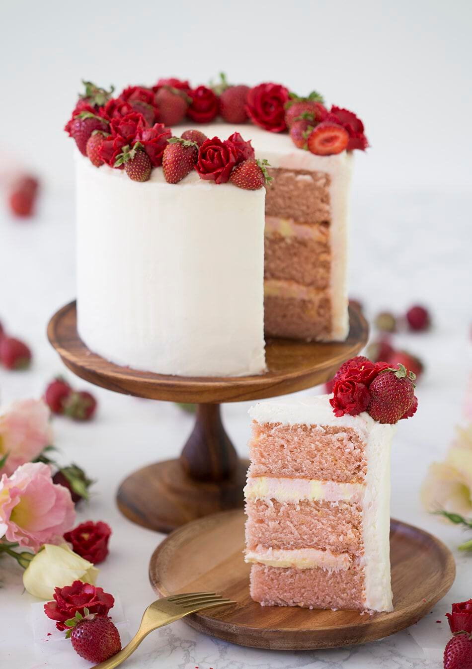 strawberry cake preppy kitchen