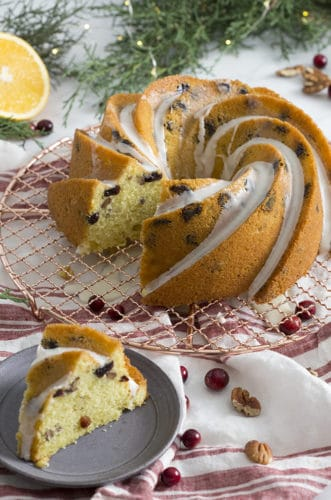 A photo or an orange bundt cake