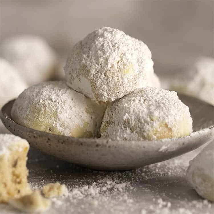 Russian tea cakes in a grey bowl