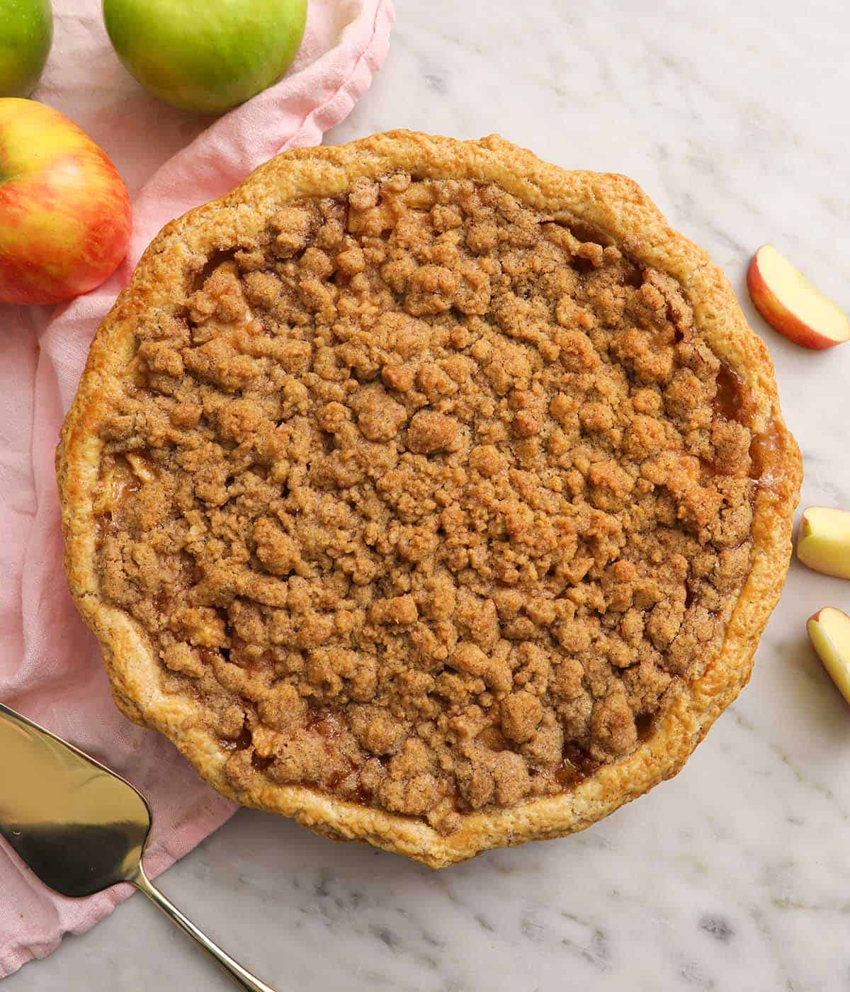A freshly baked apple crumble pie ready to be served.