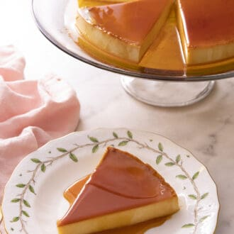 Piece of flan on a porcelain plate