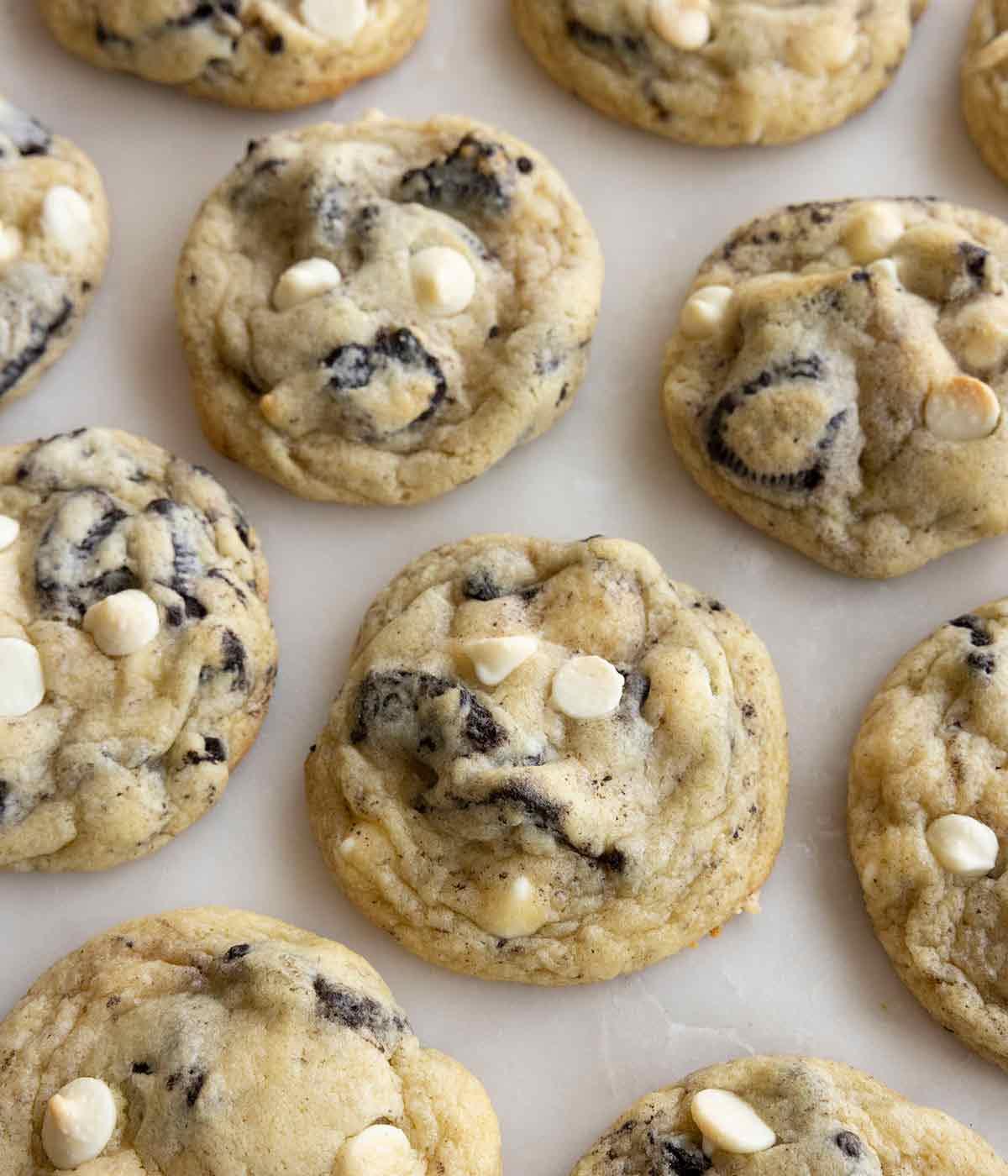 Overhead view of multiple cookies and cream cookies.