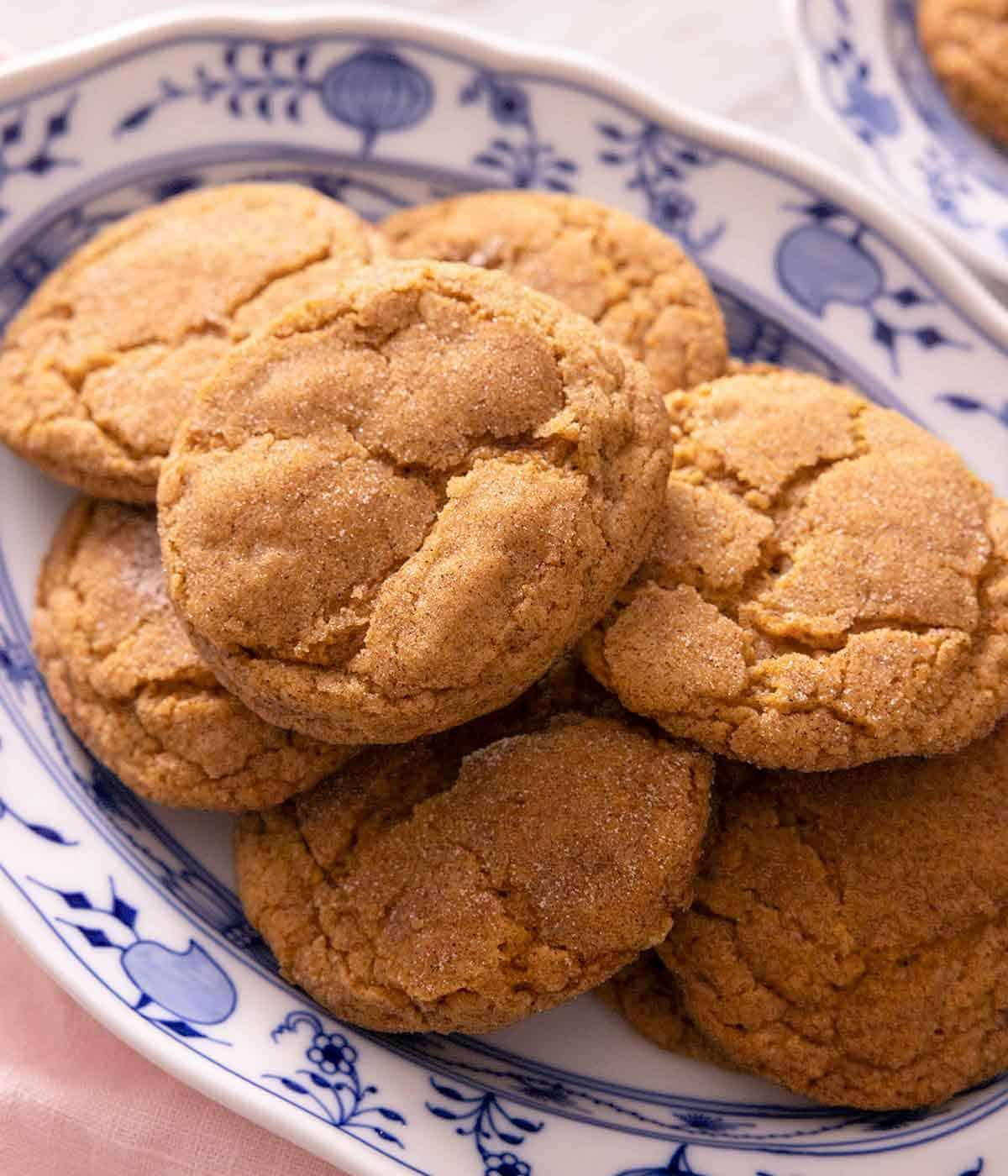 A platter of pumpkin snickerdoodles cookies.